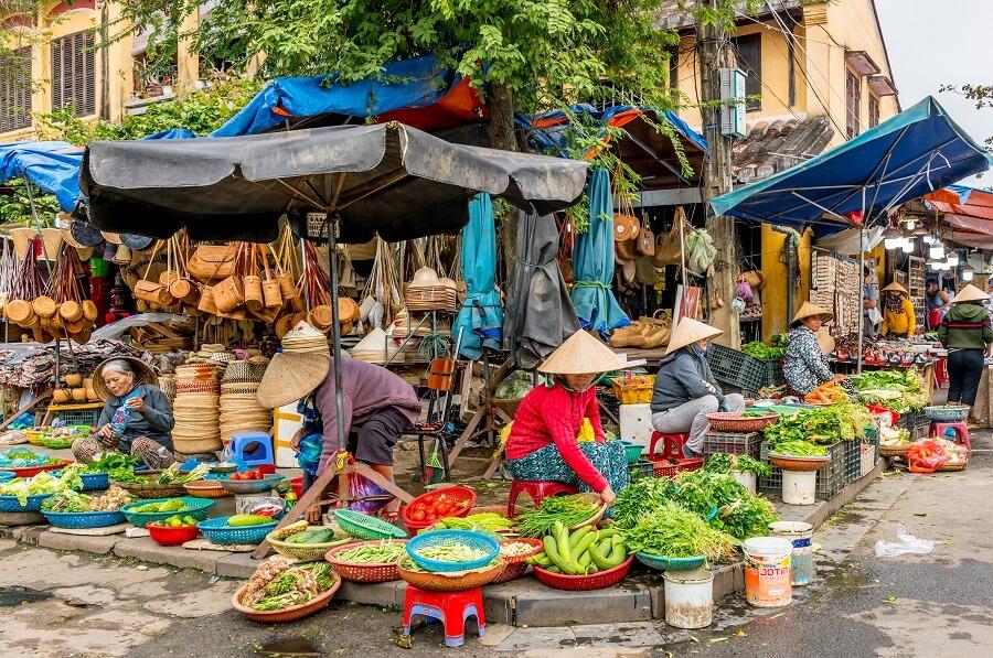 Local Vietnamese Street Market in Hoi An