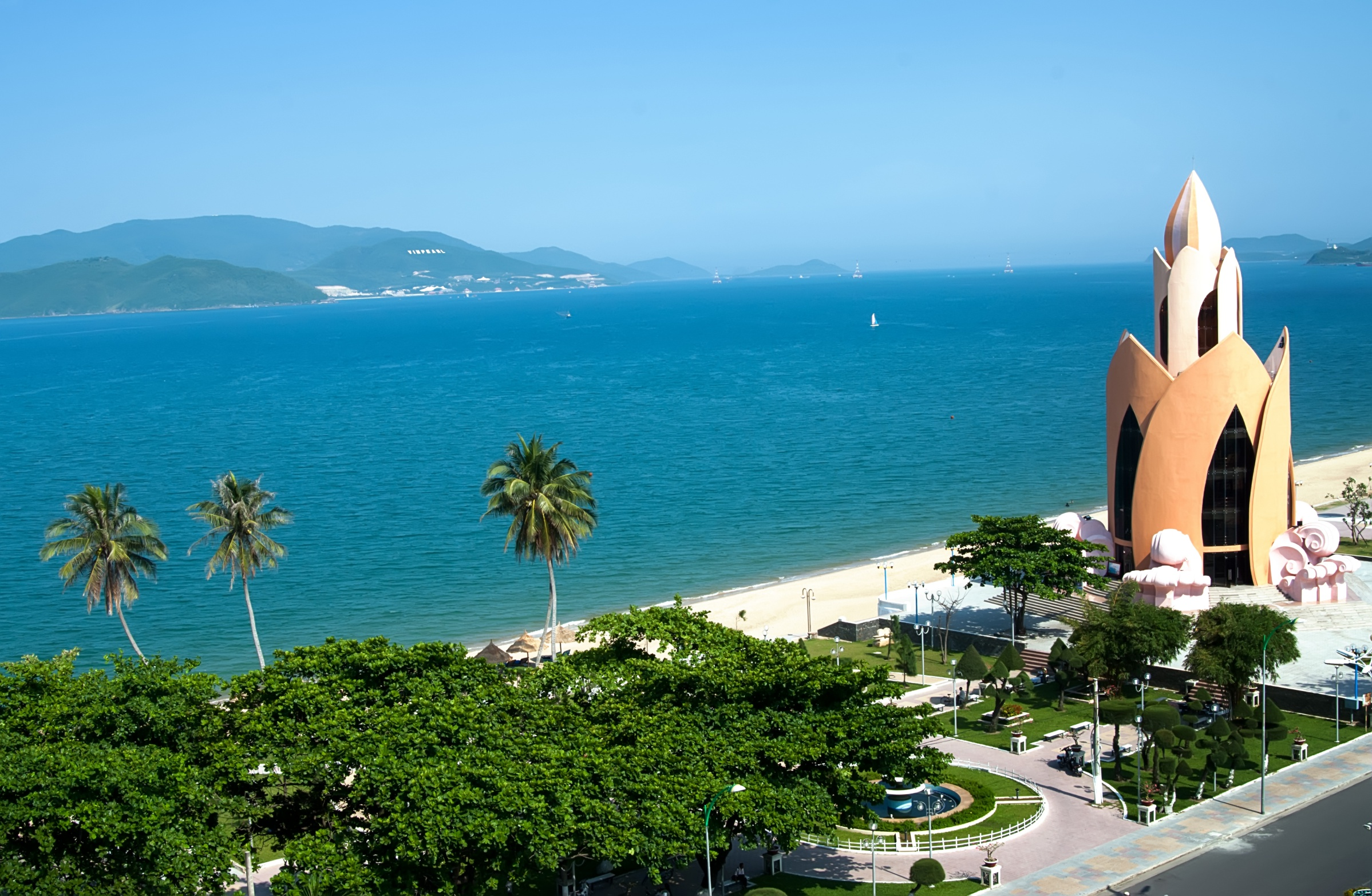 14 day best of vietnam with nha trang beach break asia. Black Bedroom Furniture Sets. Home Design Ideas