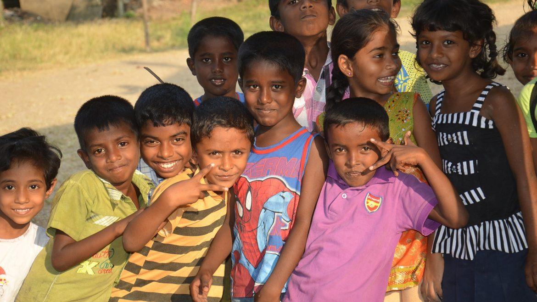 People Children In Sri Lanka Travelling