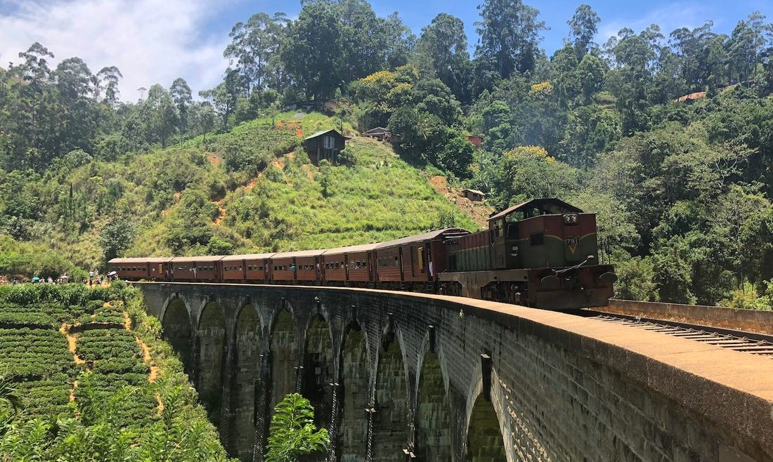 Unique Train In Sri Lanka With Spectacular View