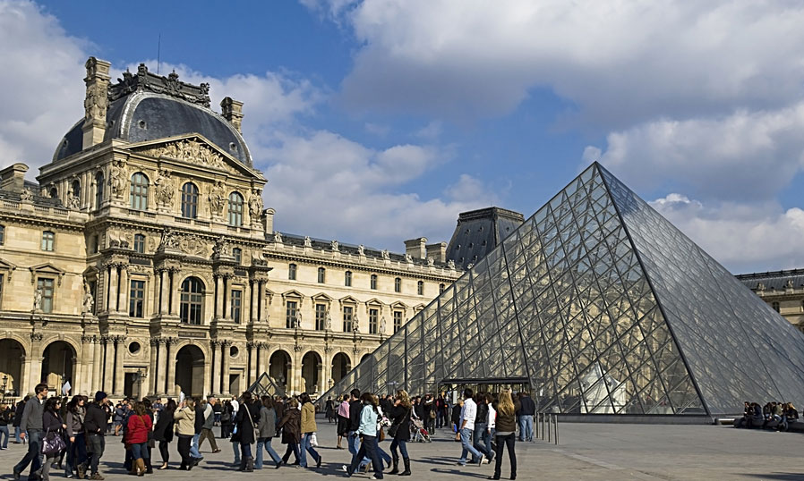 What Do You Know About The Louvre Museum In France